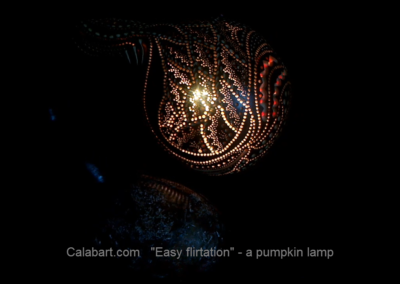 "Design lamp handmade from the African pumpkin ""Easy flirting"""