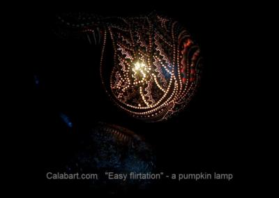 "Design lamp handmade from the African pumpkin ""Easy flirting"""