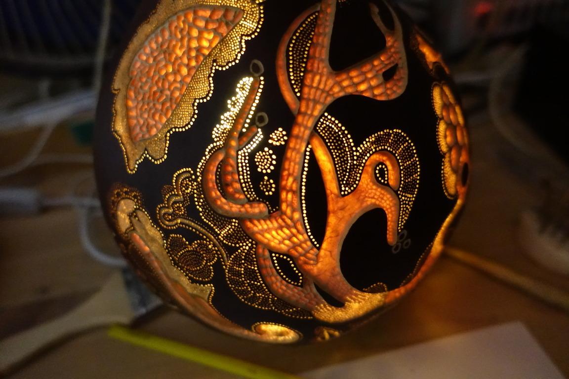 Авторская лампа ручной работы из тыквы «Тайна леса»
